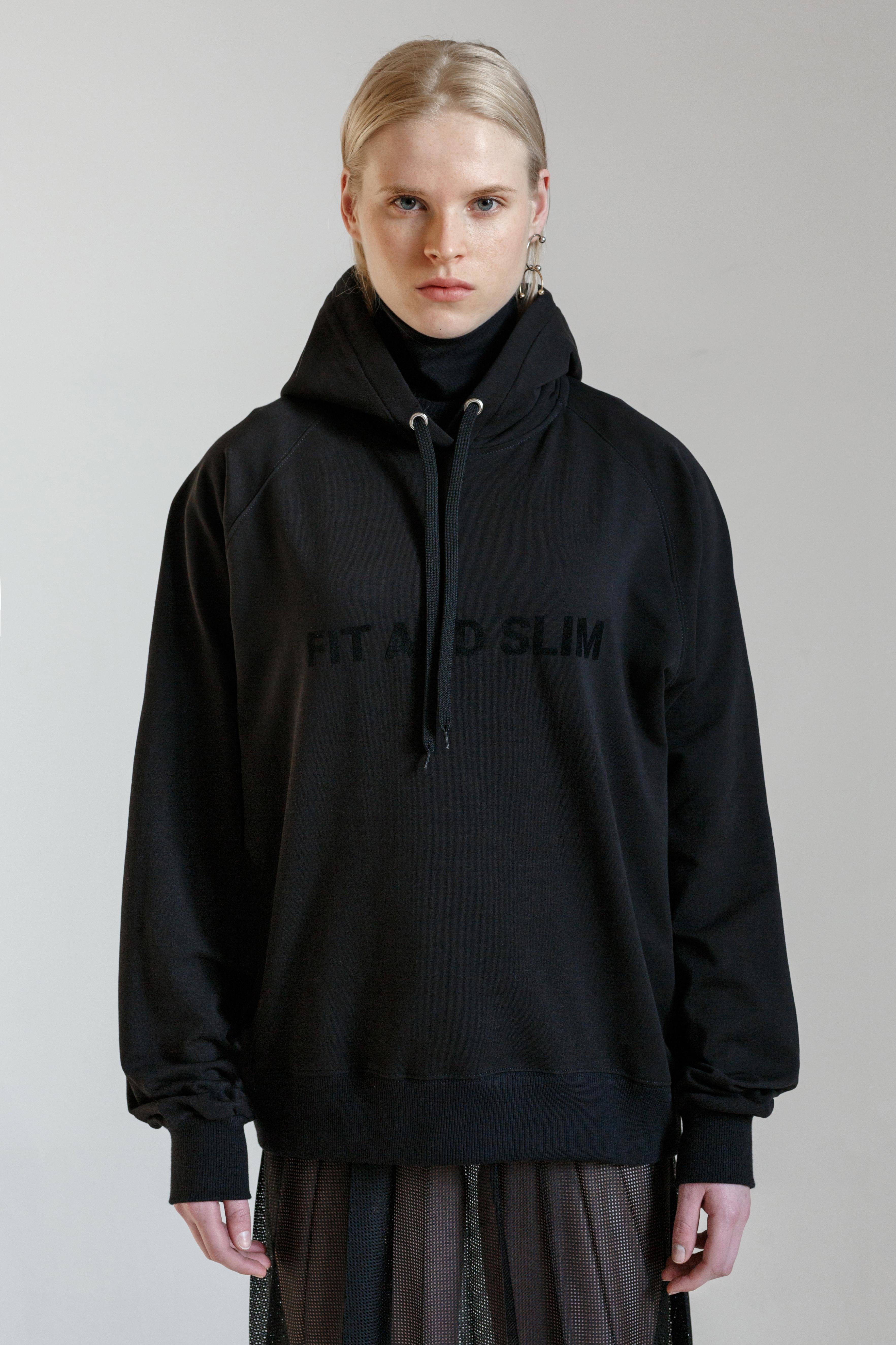 FIT AND SLIM BLACK HOODIE – L A F O R M E L A - SHOP f3cf2dcef30c